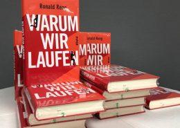 """Das Buch """"Warum wir laufen"""" von Ronald Eng"""