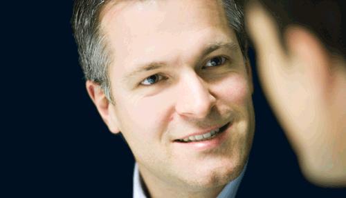 Ein Coaching-Kunde im Gespräch mit Daniel Holzinger