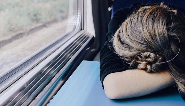 Wem der Job stresst, ist ständig müde. Emotionale Intelligenz hilft