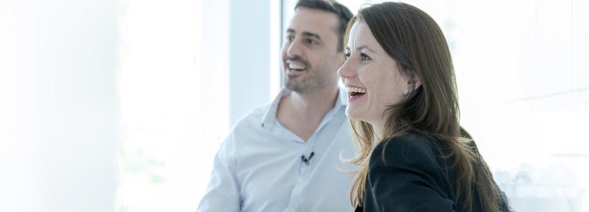 Katrin Holzinger und Dr. Daniel Holzinger im Business Coaching Gespräch