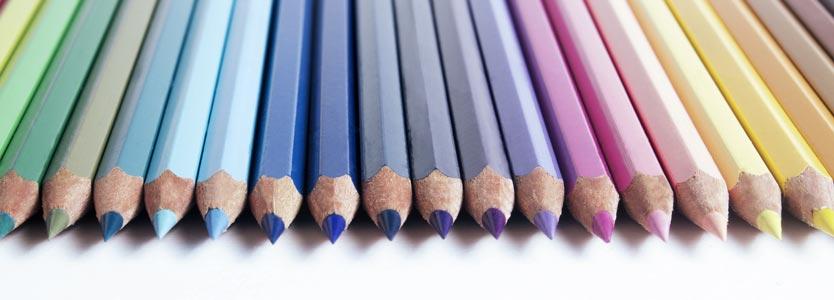 Perfekt geordnete Stifte: ein Aspekt von Stress ist häufig Perfektionismus